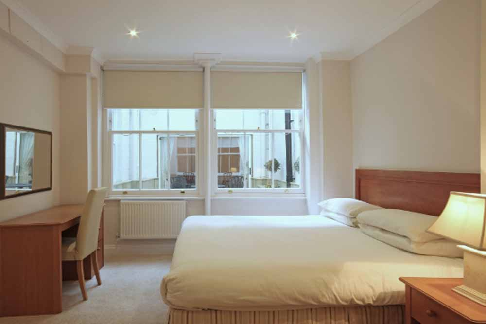12 Hertford Street Apartments - Bedroom