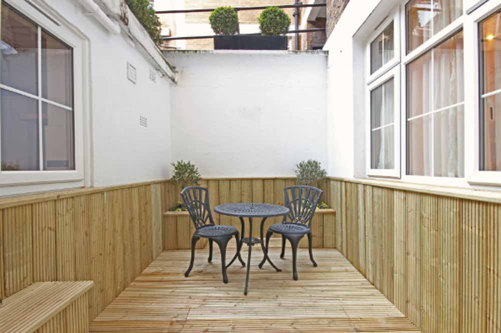 12 Hertford Street Apartments - Patio