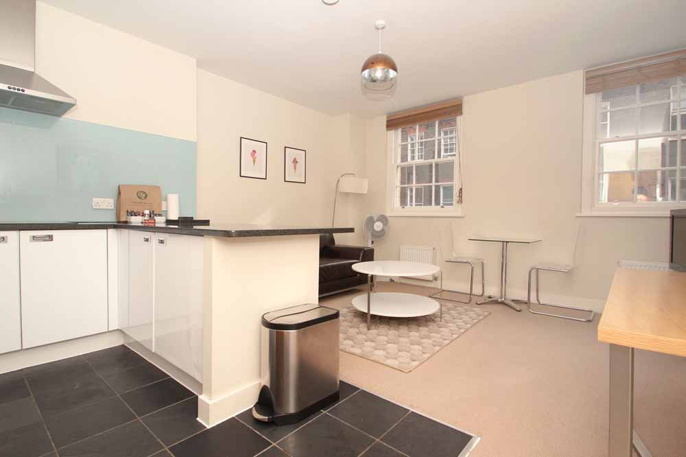 Premium One Bedroom Apartment - Kitchen