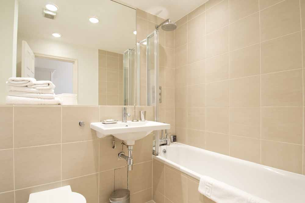 Premium Two Bedroom Apartment - Bathroom