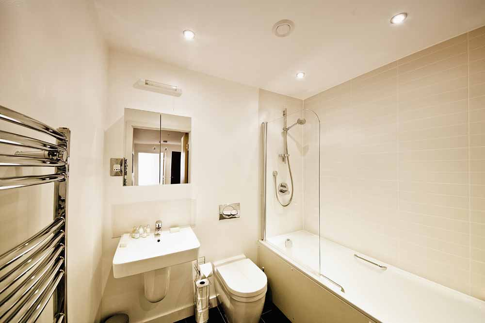 Armstrong House Apartments - Bathroom