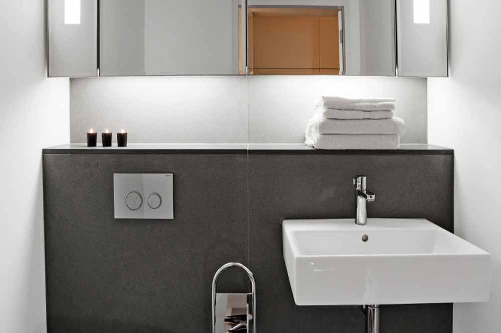 Marconi House Apartments - Bathroom