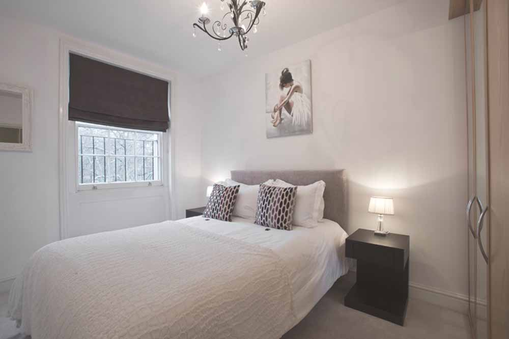 Hyde Park Gardens Apartments - Bedroom
