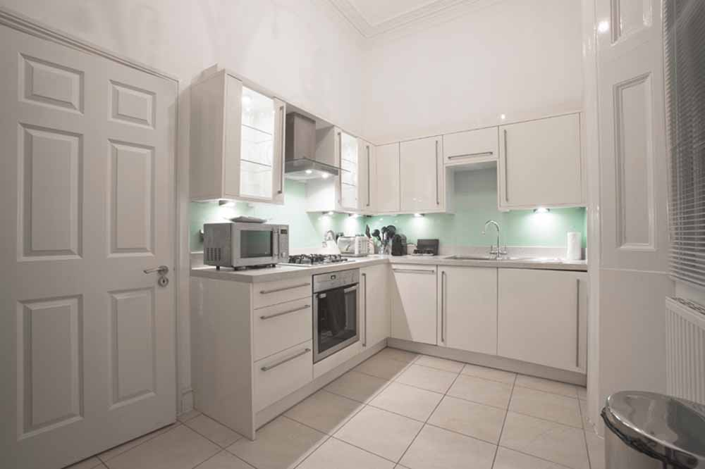 Hyde Park Gardens Apartments - Kitchen