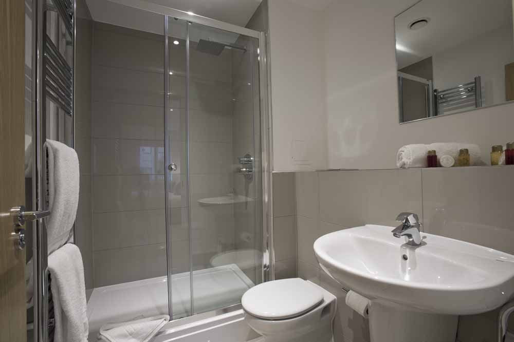 Blackwall Lane Apartments - Bathroom