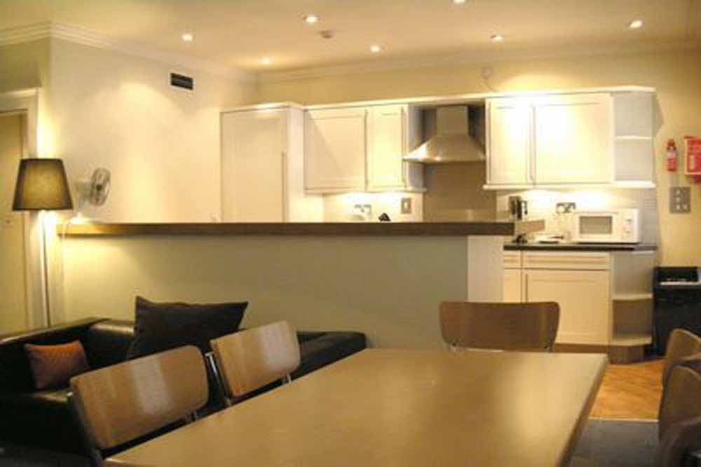51 Gower Street Apartments - Dining Area