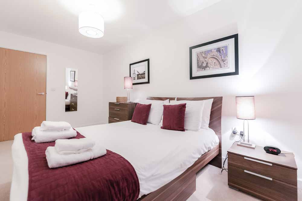 Hurley House Apartments - Bedroom