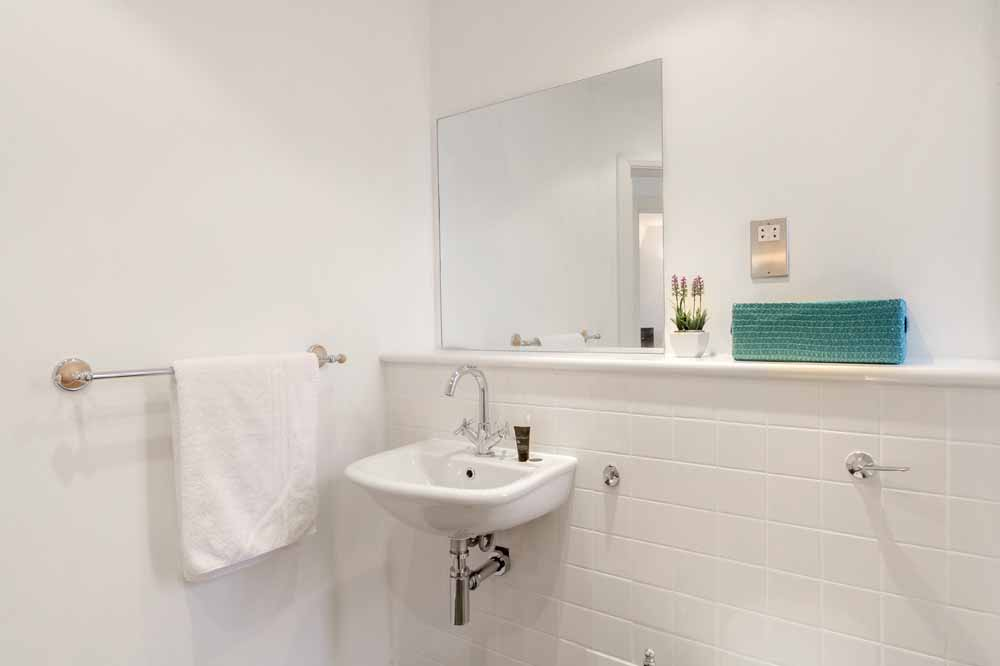 Groveland Court Apartments - Bathroom