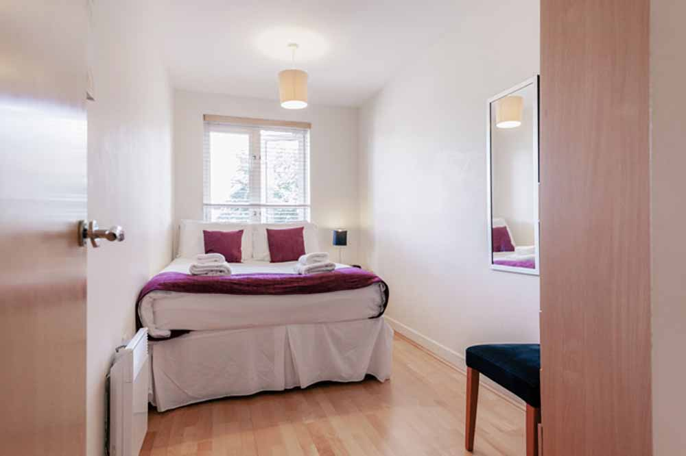Park Lane Croydon Apartments - Bedroom