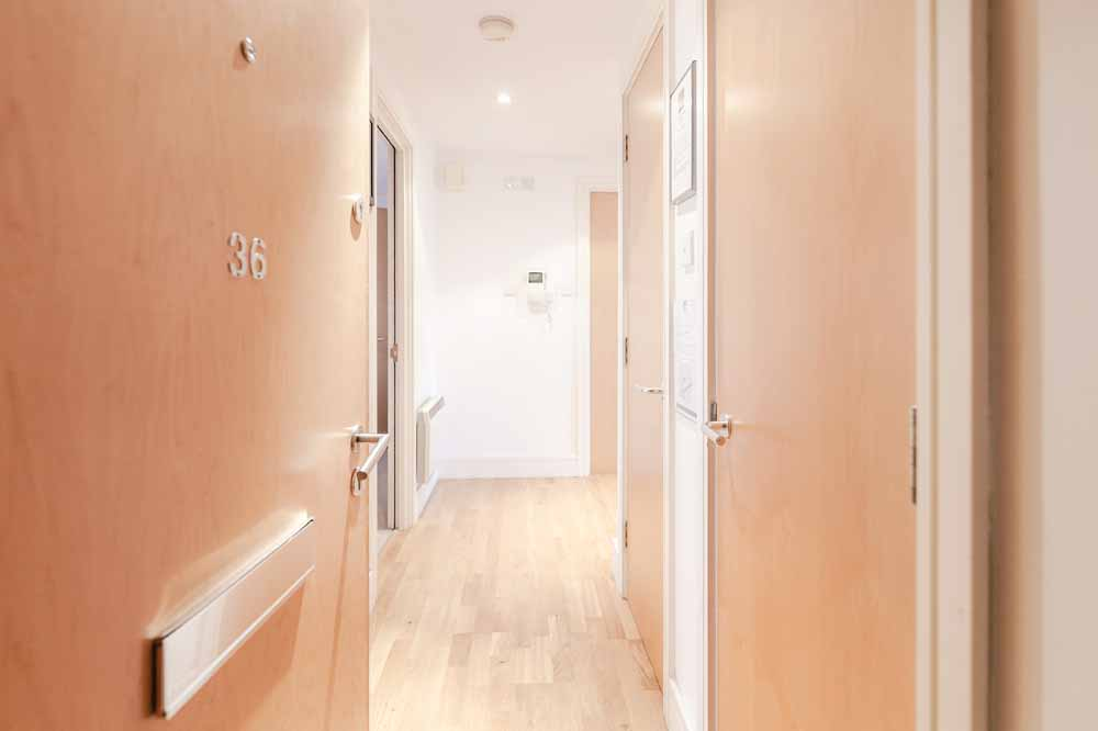 Oaks Square Apartments - Hallway