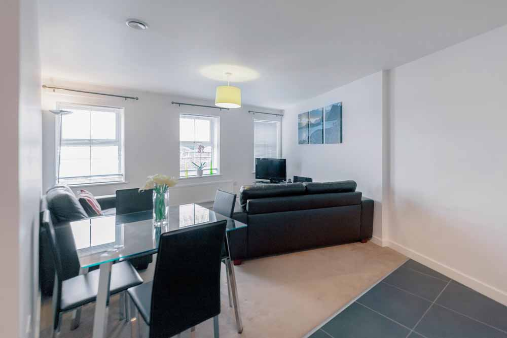 Jubilee Court Apartments - Living and Dining Area