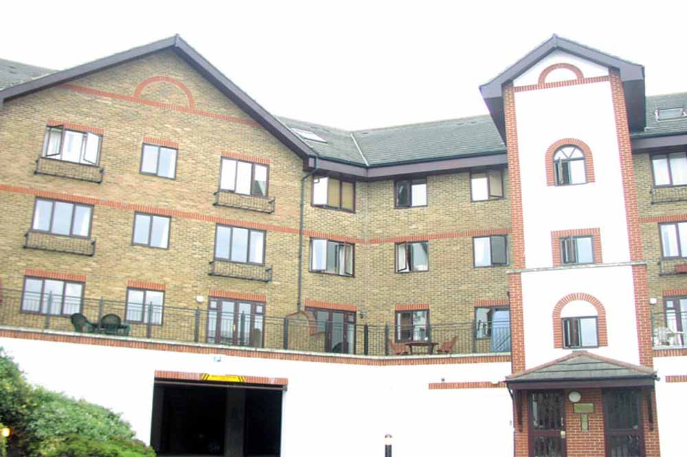 Ashton Waterside Apartments - Building