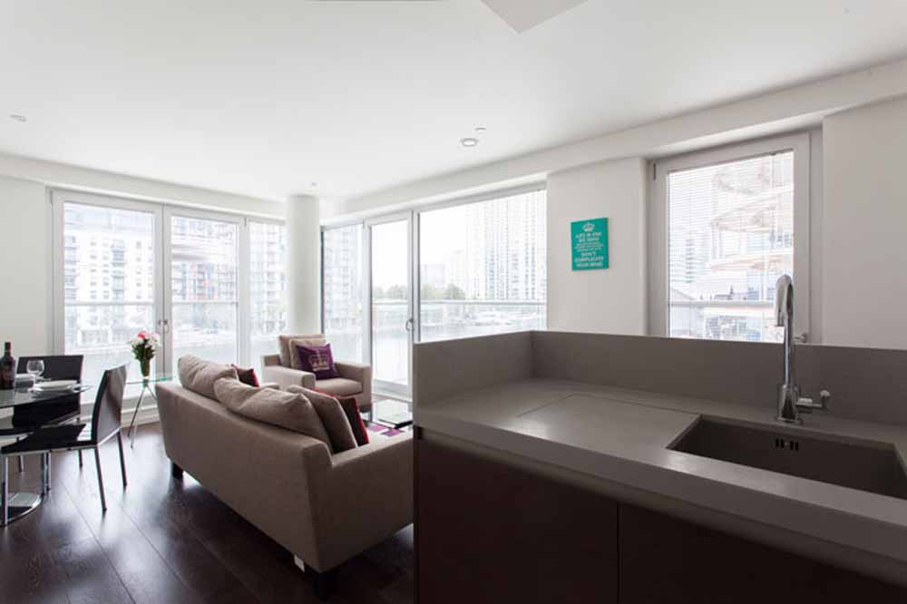 12 Baltimore Wharf Apartments - Living Area