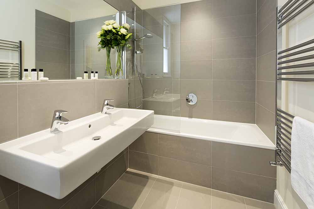 Two Bedroom Executive Apartment - Bathroom