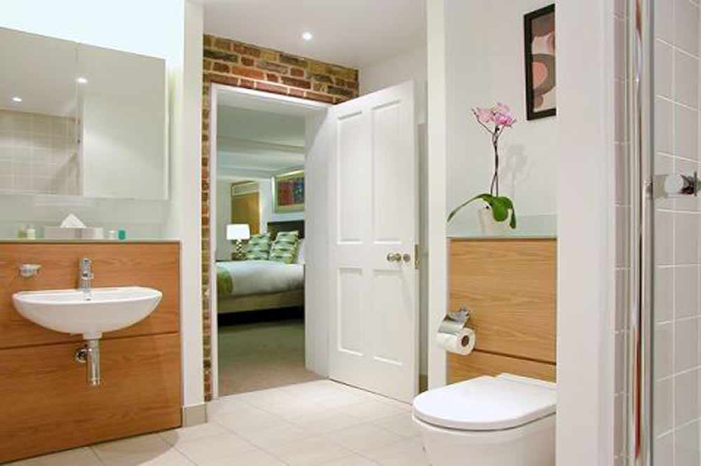 One Bedroom Apartment - Bathroom
