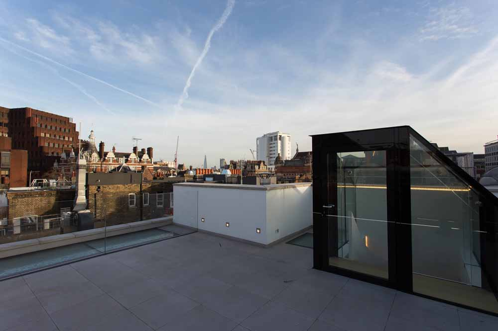 Two Bedroom Penthouse Apartment - Roof Terrace