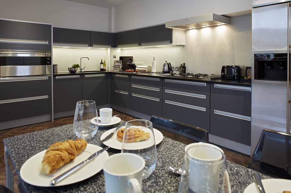 Four Bedroom Townouse - Kitchen and Dining Area