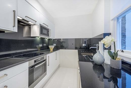 Superior Two Bedroom Apartment - Kitchen