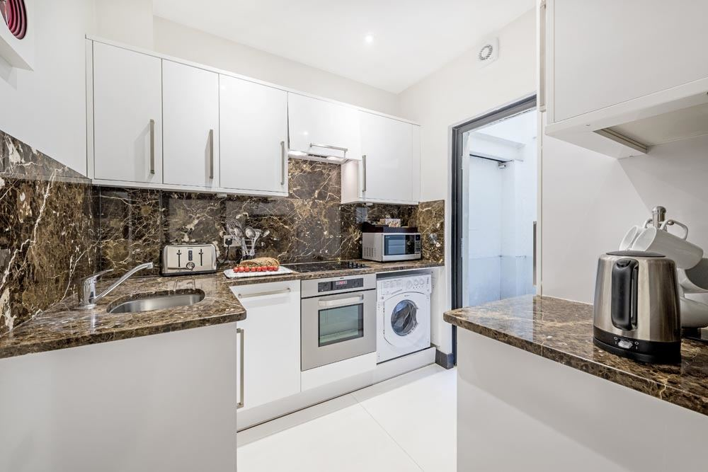 Standard Three Bedroom Apartment - Kitchen