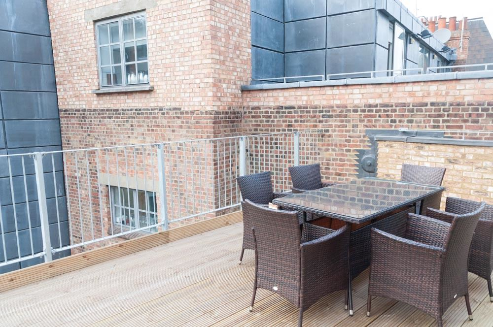 Two Bedroom Apartment with Terrace - Terrace