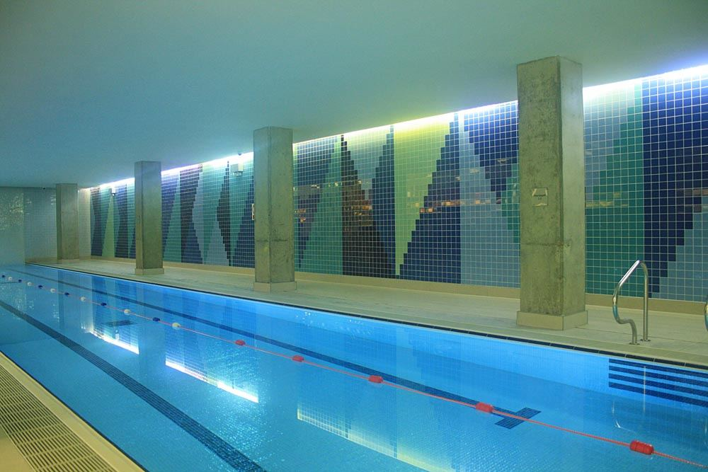 Arena tower apartments in canary wharf - Apartments with swimming pool london ...