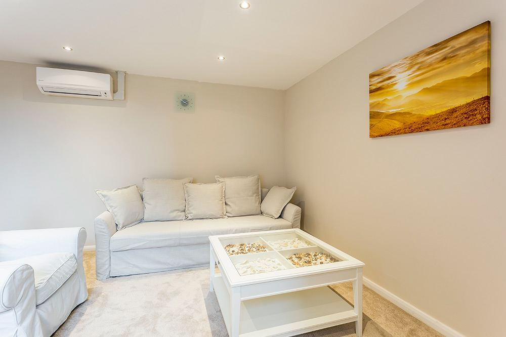 Deluxe Two Bedroom Apartment - Super King Beds