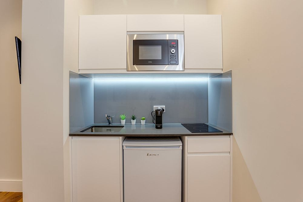 Flat C Kitchenette